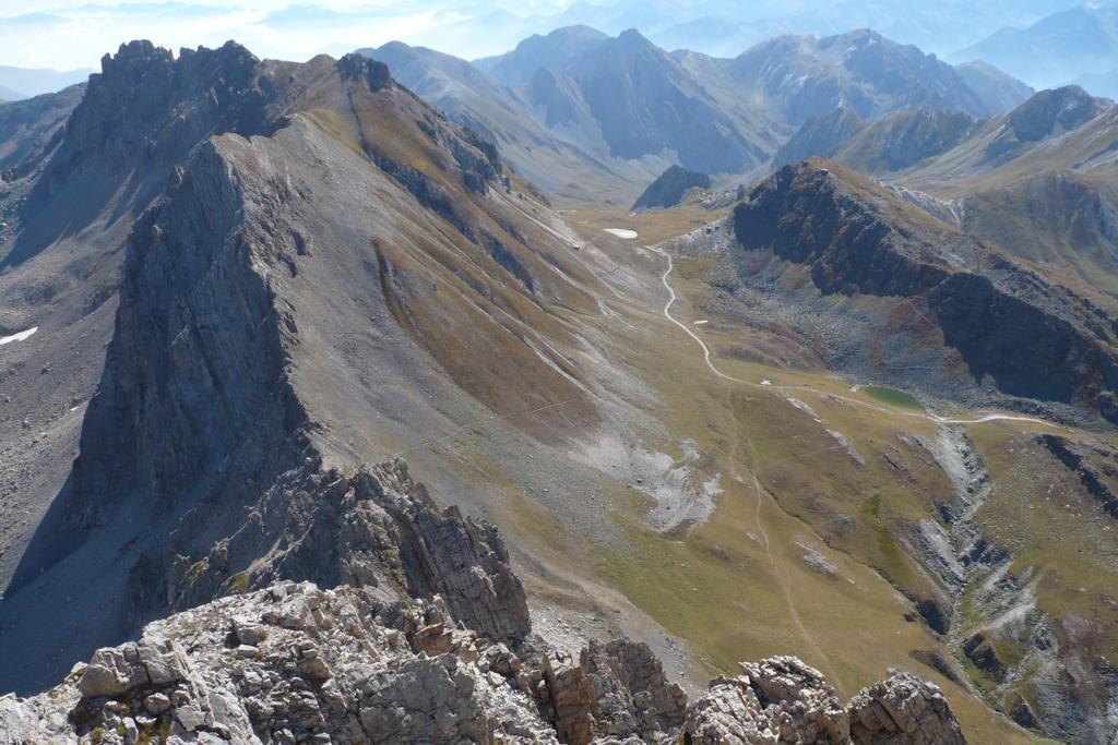 La cresta sud-est dalla vetta