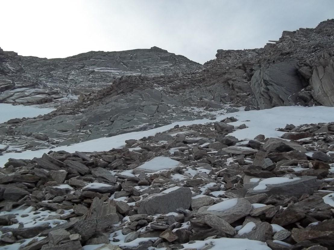 il traverso per raggiungere la cresta NE