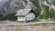 il Rifugio Troncea, possibile punto d'appoggio per la salita al Ghinivert (28-9-2013)