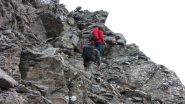salendo lungo il versante SO del Bric Ghinivert...04 (28-9-2013)