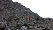 salendo lungo il versante SO del Bric Ghinivert...03 (28-9-2013)