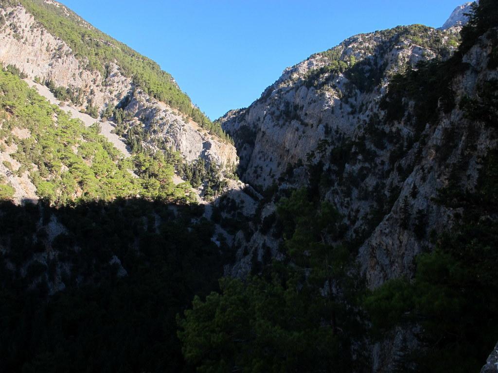 La gola di Elighia a monte di Fliskounias