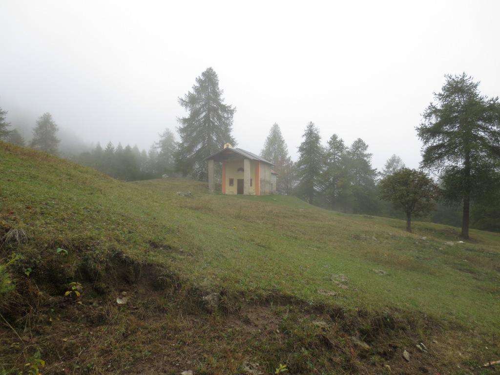 chiesetta sotto Alpe Toglie