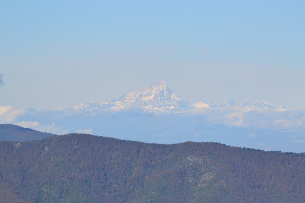 zoom sul Monviso dalla cima