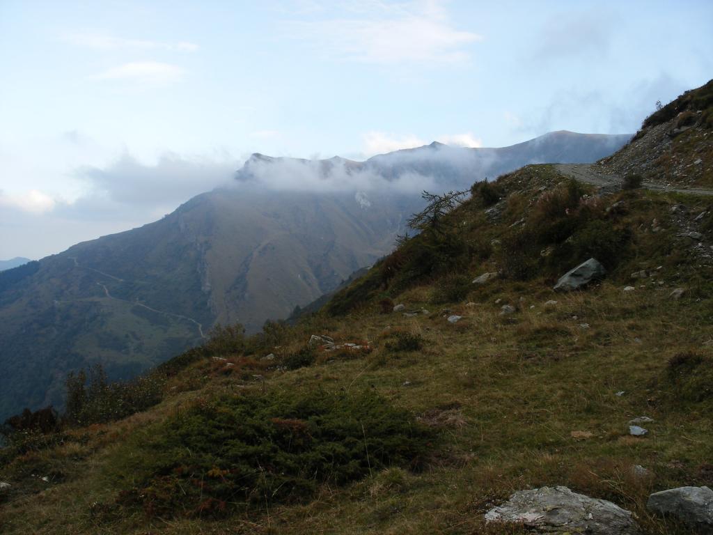 Omo (Punta) da Campomolino, anello per Rocca Cucuja e Monte Borel 2013-10-12