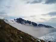 rocca moross spunta dalle nebbie