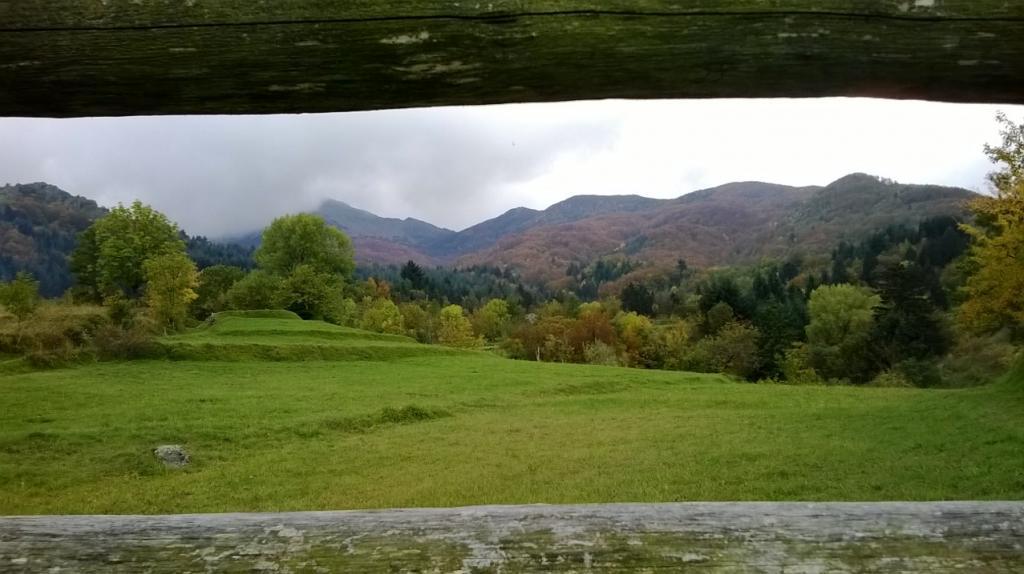 Aiona (Monte) Anello per il P. dell'Incisa con discesa su Amborzasco 2013-10-19