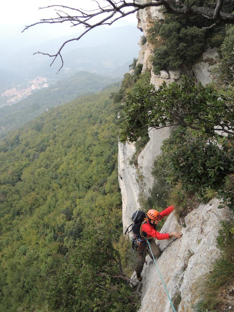 Cucco (Monte) Traversata del Campanile (Spigolo sud + Fessura della Tarantola) 2013-10-19