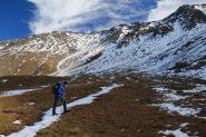 Enrico nella conca erbosa di quota 2550 m (19-10-2013)