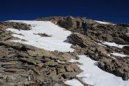 alcune lingue di neve sotto la prima anticima (19-10-2013)