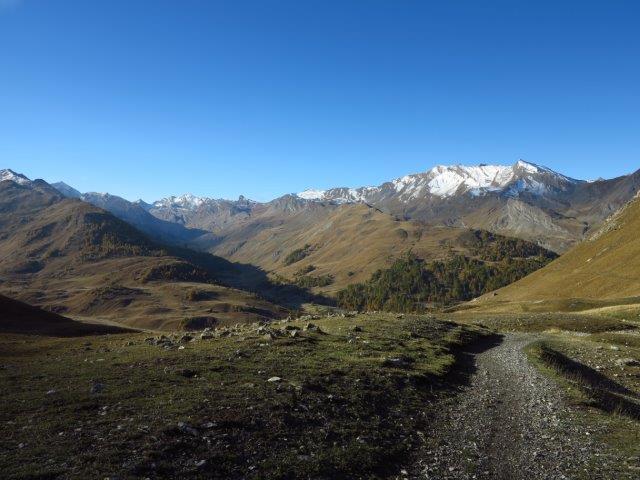 Panorama verso il vallone del Lauzanier