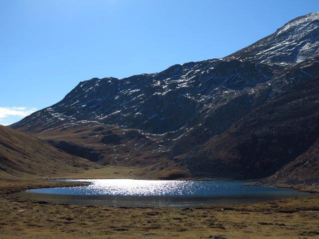 Lago dell'Oronaye verso il Colle di Roburent