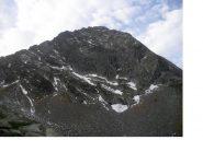 la cupa parete nord del Pizzo del Ton con a sx la cresta est di salita..