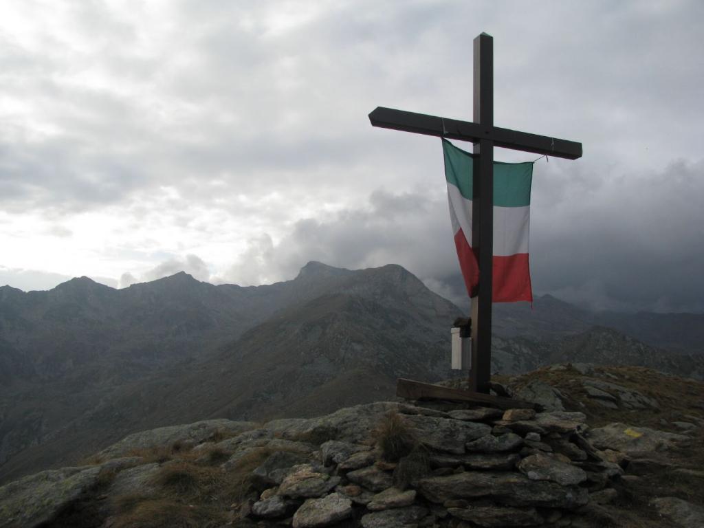 Nuova croce metallica al Monte Lion