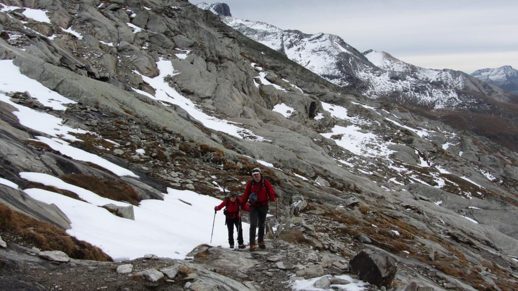 incontrando le prime lingue di neve a quota 2800 m. (1-11-2013)