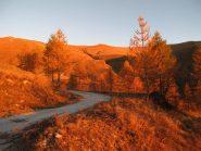 La bella strada che sale alla borgata Chiotti