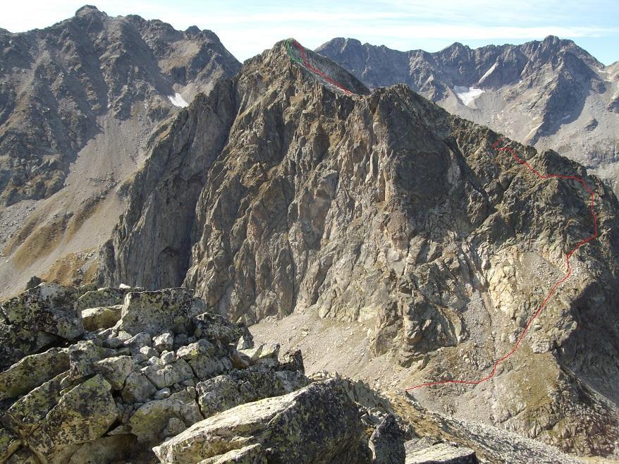 Il Roc dalla cima Fenestrelle con la via indicata