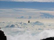 La funivia fra un mare di nubi