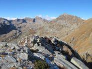 L'inizio della cresta N della Pian Spigo, sullo sfondo la Giardonera