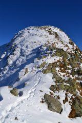 la cresta percorsa vista dall'anticima