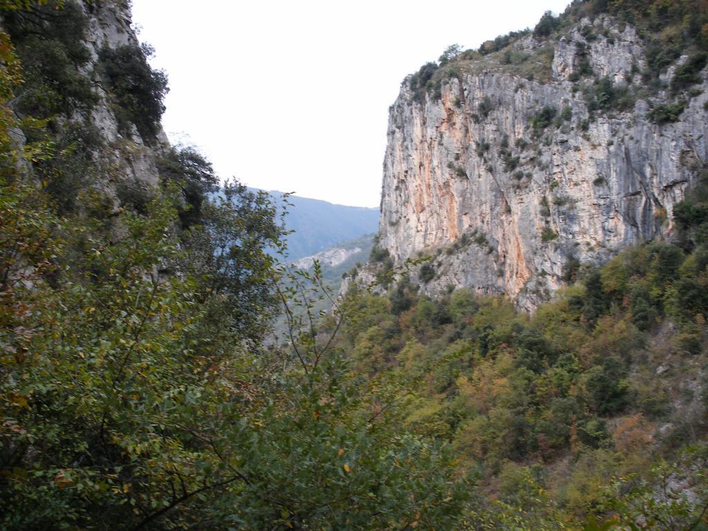 San Pietro ai Monti (Abbazia) Via dei Daini e anello per il Monte Ravinet 2013-11-17