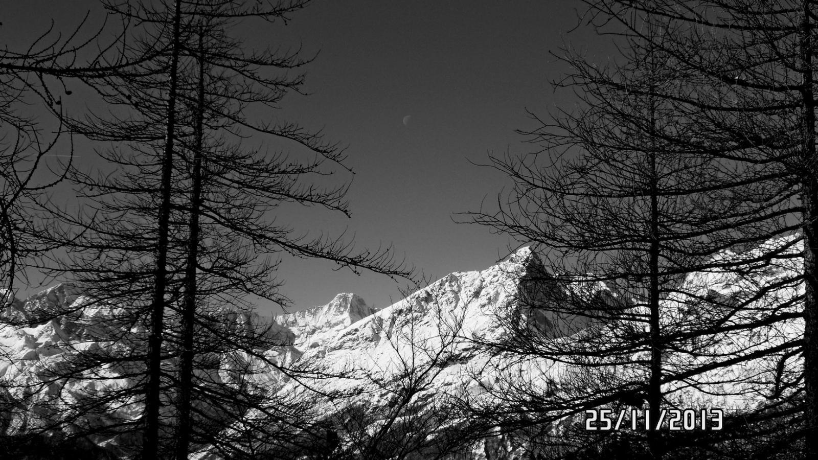 Bessanese, Uia di Mondrone e la luna