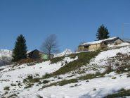 Casa colonica a Luvatera, con Torre di Lavina al centro