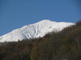 Dal Sentiero del Gallo, zoom sul Monte Soglio