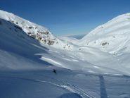 A tratti neve farinosa a tratti neve ventata