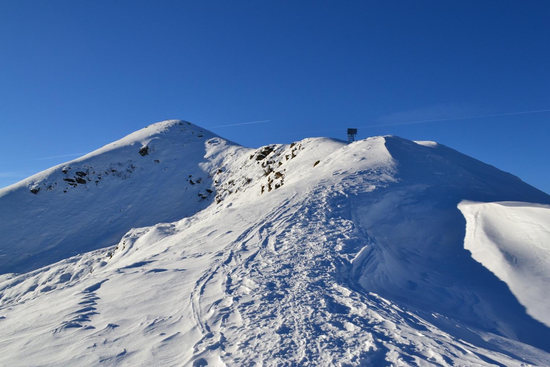 cima del Monte Bo (a sinistra) ed anticima (a destra)