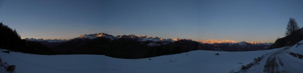 02 - panoramica la sera da Druges Haut, Dal Monte Bianco al Monte Rosa