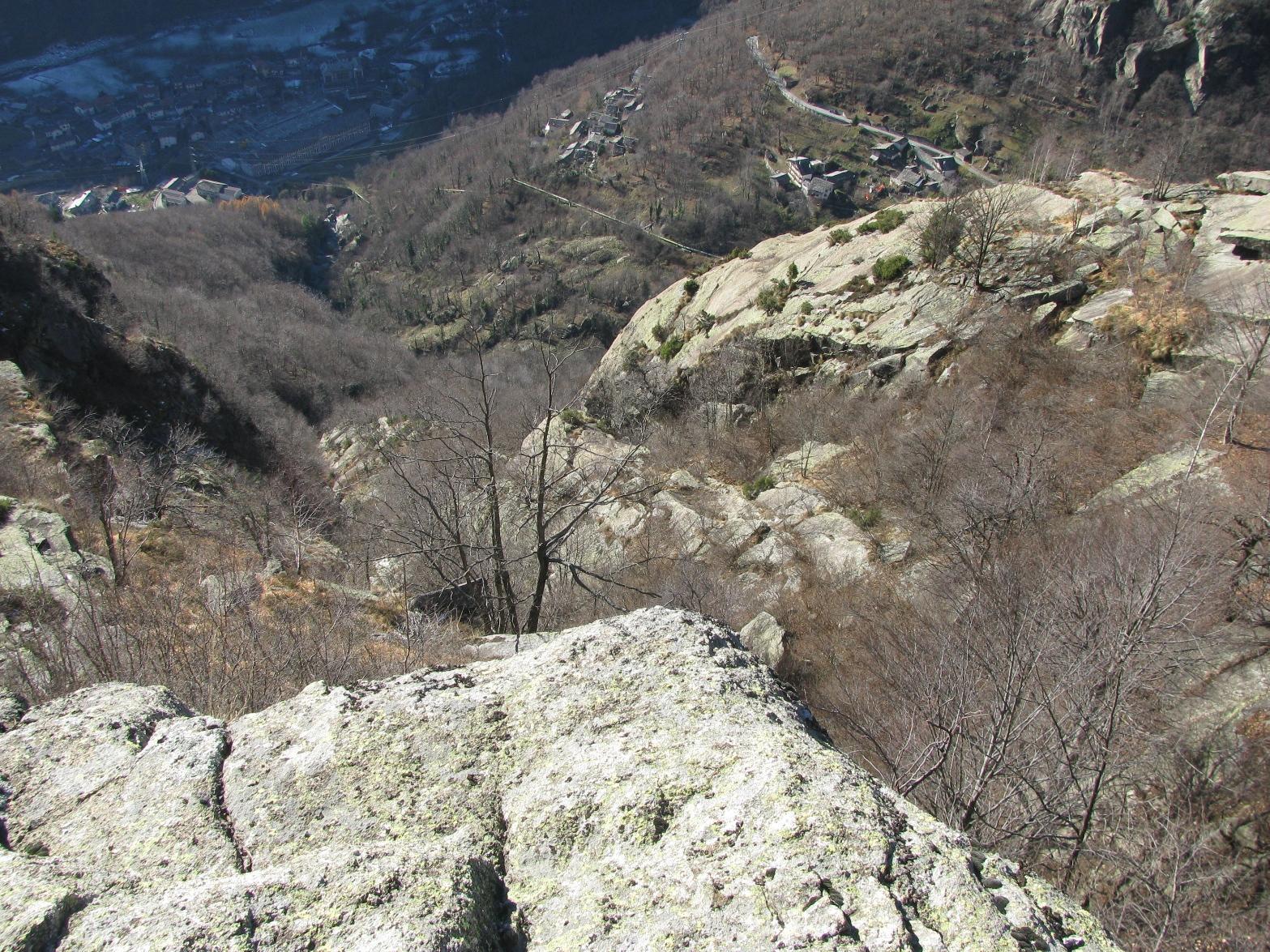In basso nell'ombra, Rosone, al centro Costa Bugni, a sx. Rocci