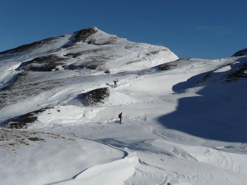 Puntiamo alla cima scialpinistica quotata 2426 m.