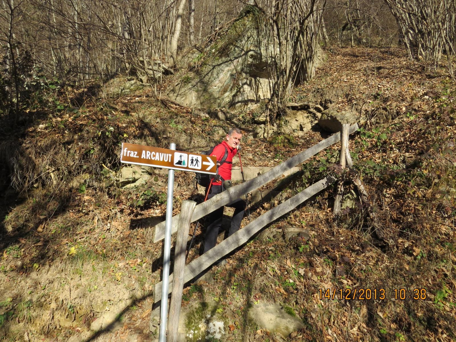 Grande indicazione...per piccolo sentiero che sale all'Arcavut