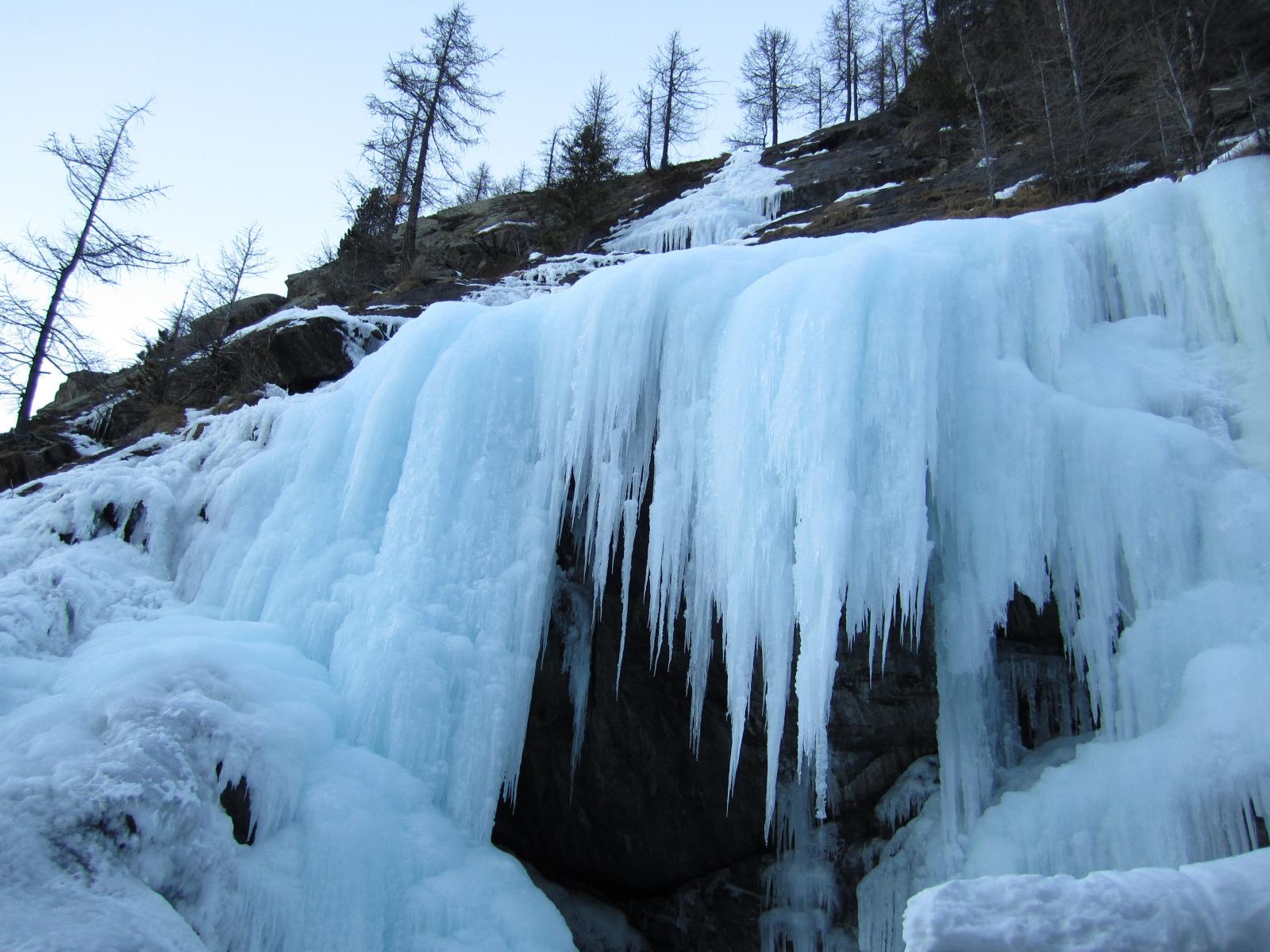 ultimo risalto con ghiaccio che non arriva fino in cima