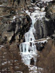 La cascata nel suo complesso, condizioni della prima salita.