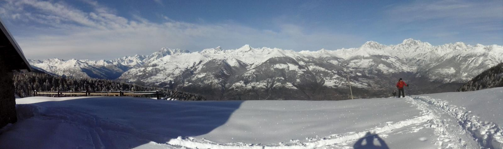 l'arrivo all'Alpe Chamolè ...panorama esteso...