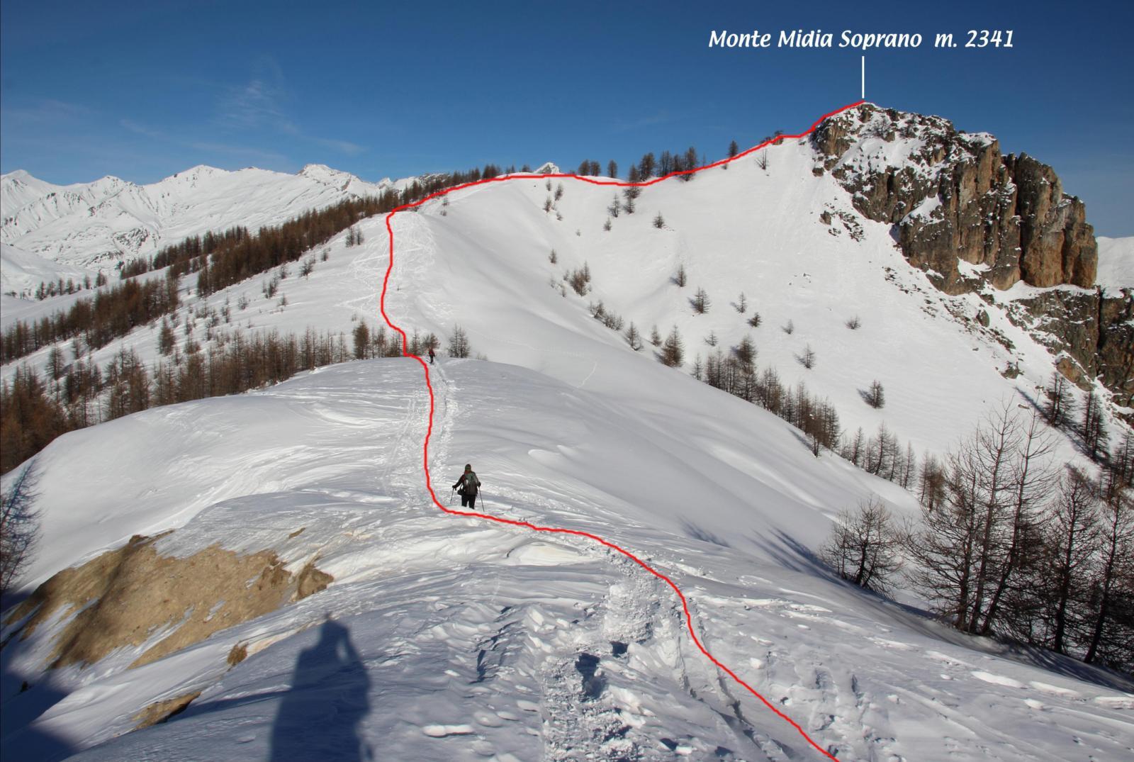 la cresta finale che porta in vetta al Midia vista dalla cima del Monte Estelletta
