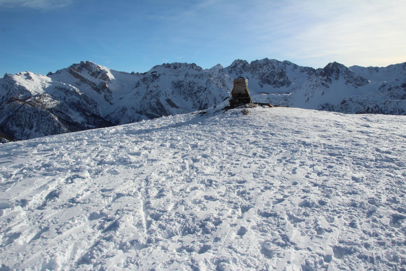 l'ampia vetta del Monte Estelletta