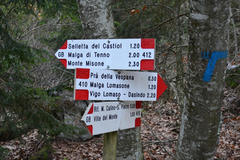 imbocco del sentiero n.412