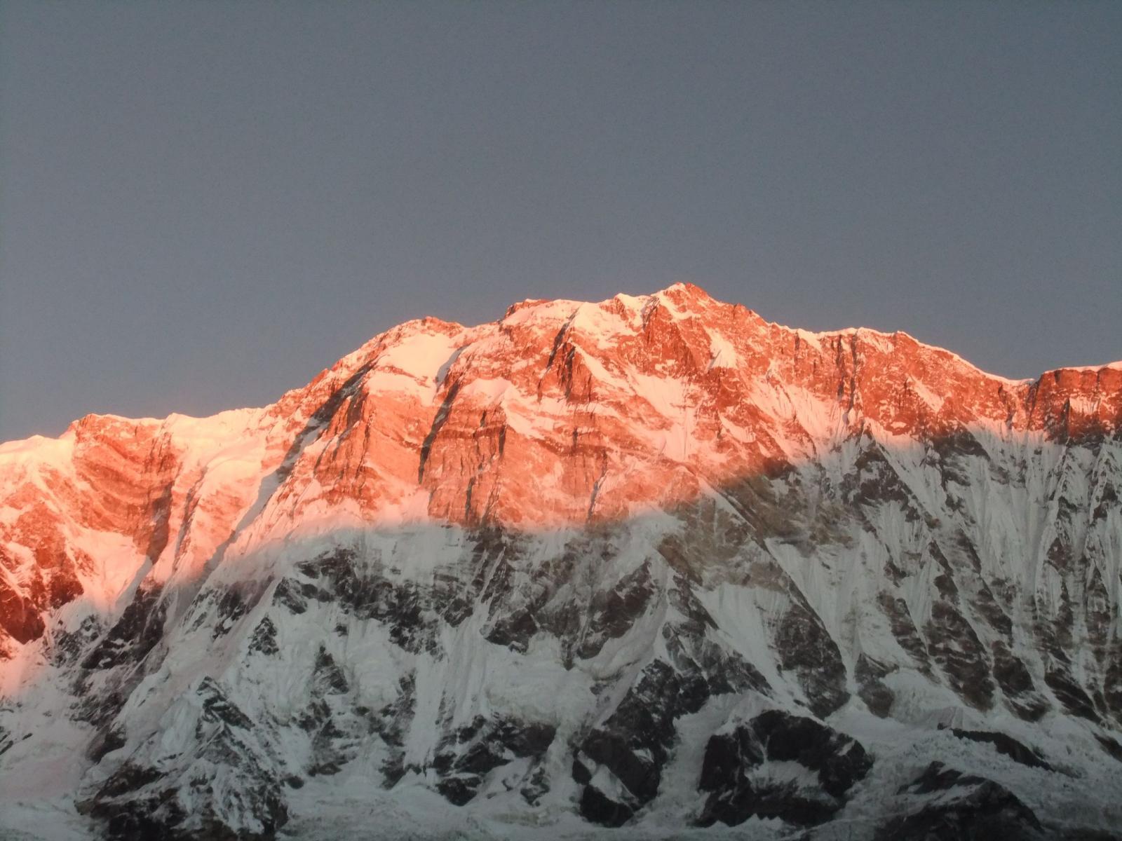 sud dell' Annapurna all'alba
