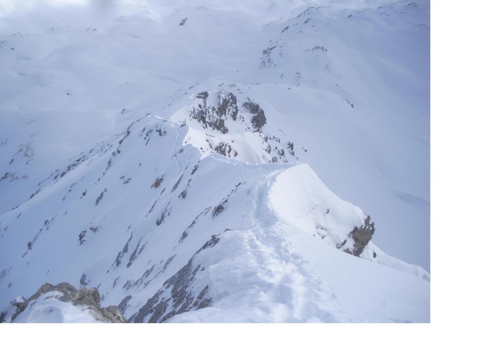 la cresta est (parte alpinistica) dalla vetta..