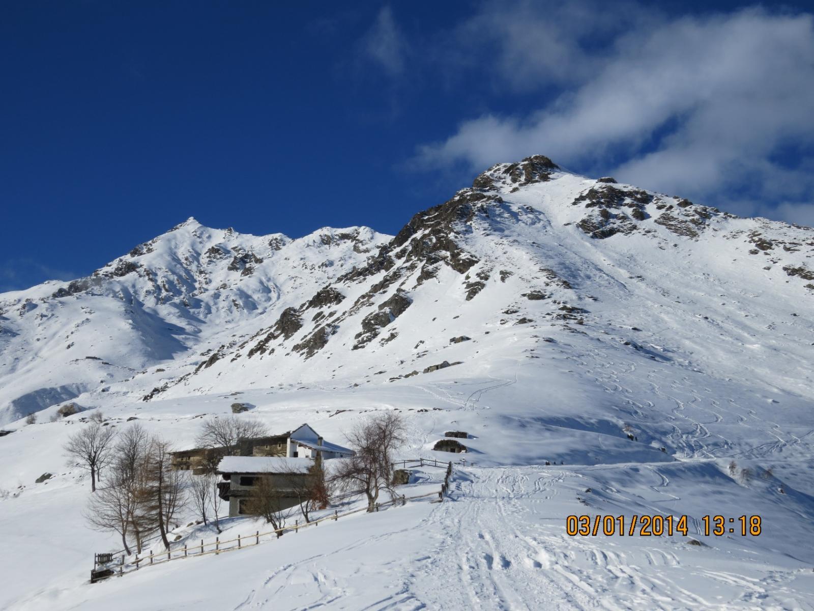 In discesa all'Alpe Frera: finalmente si vede la vetta!