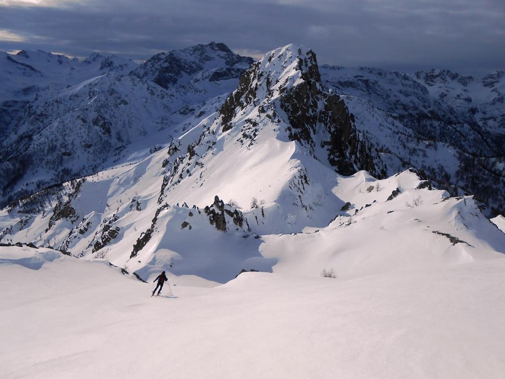 Neve stupenda nel bellissimo valloncello sommitale