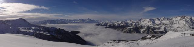 dalla Clavalitè il mare di nebbia sulla valle centrale