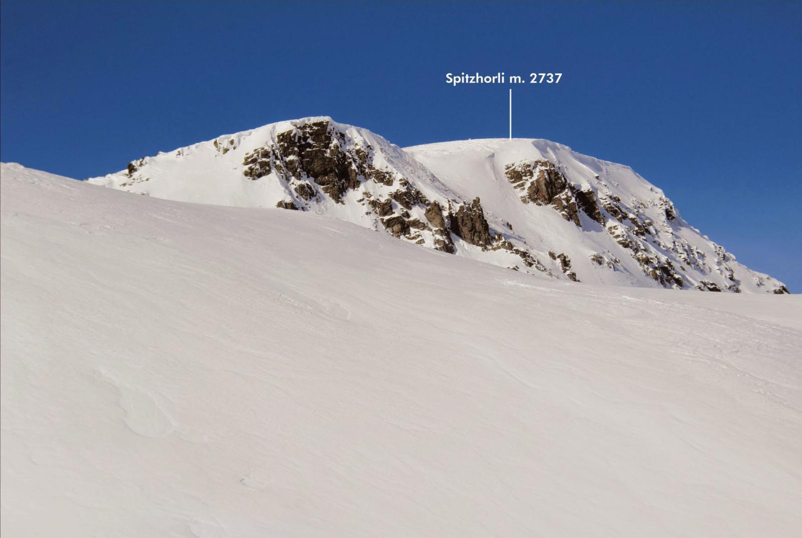 la vetta dello Spitzhorli vista dal valloncello che porta al Passo di Rossen