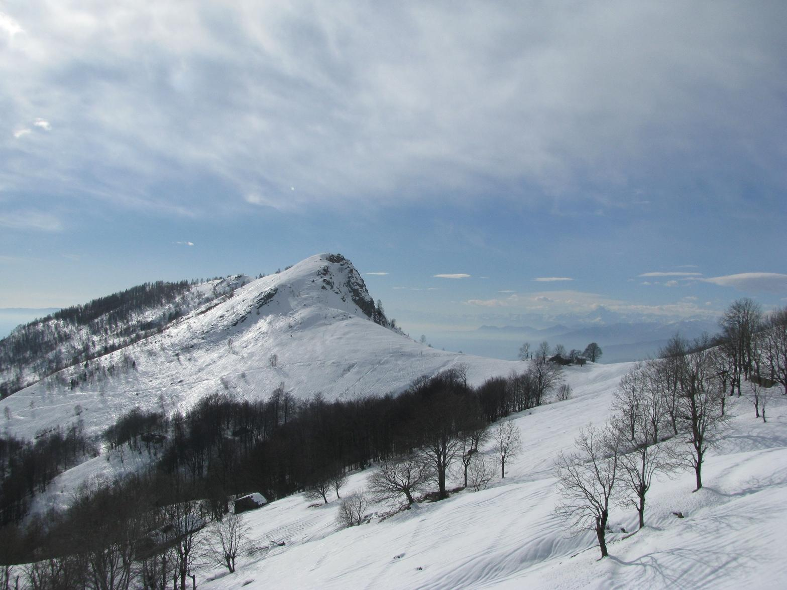 Uno sguardo al vicino Monte Calvo