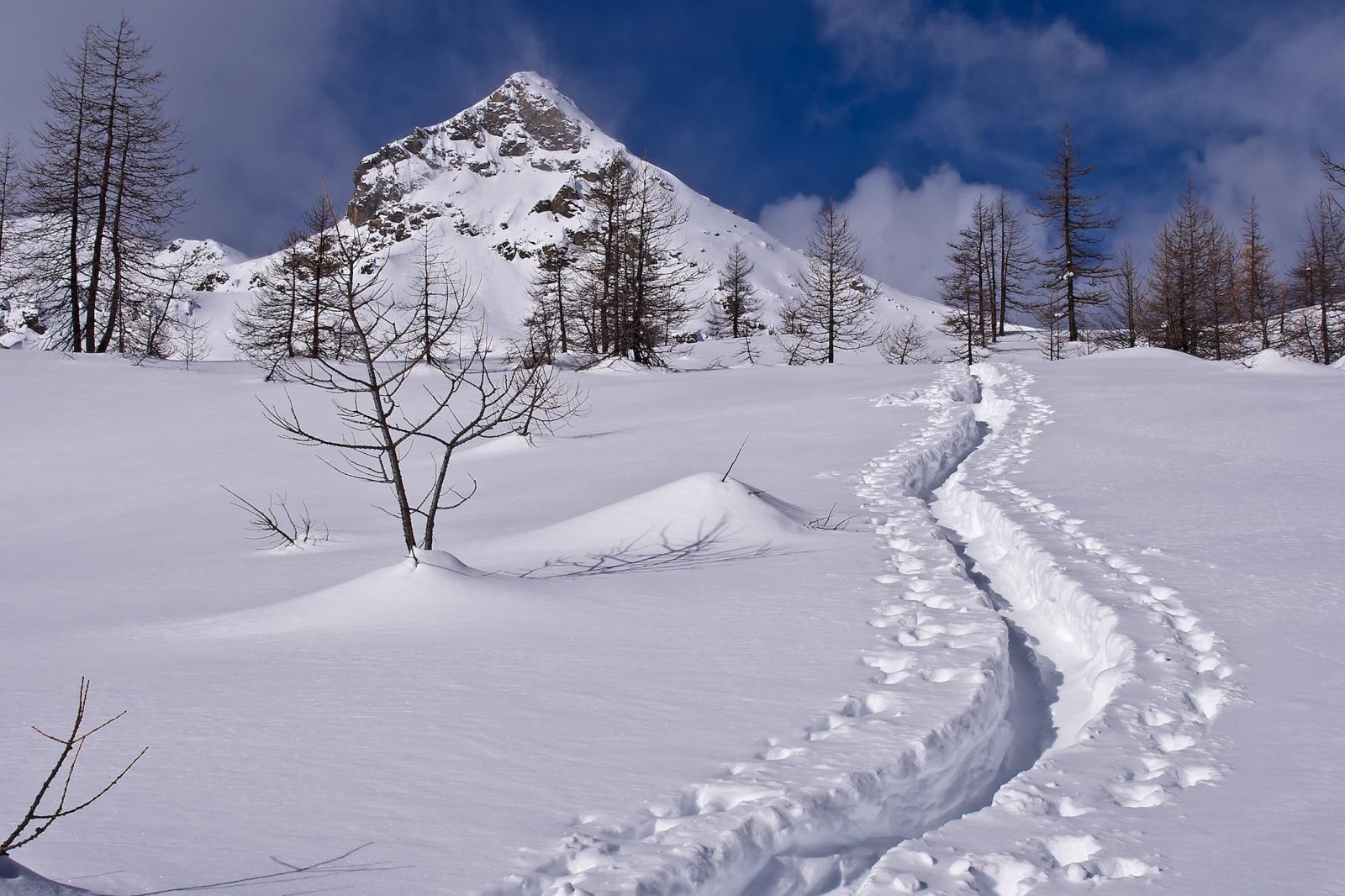 La Torretta, a sinistra del Colle Lago Bianco