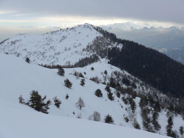Colle della Ciabra e Monte Roccerè dal crinale per il Monte Cornet
