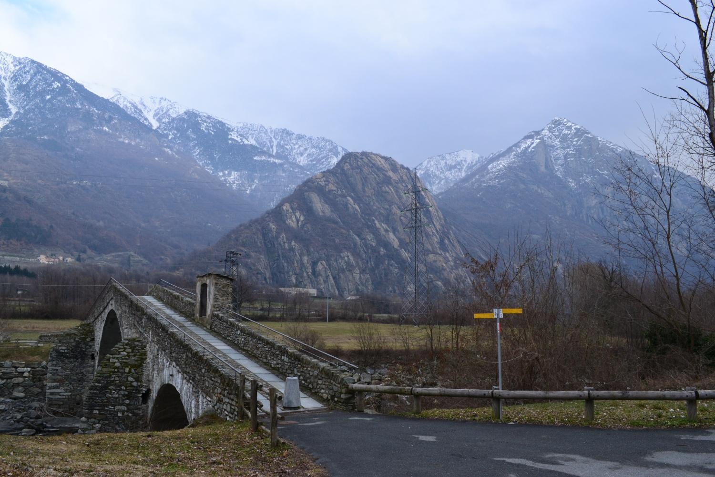 l'antico ponte per Echallod